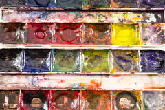 Nahaufnahme des Künstlers Child Used Paints Stockfotografie