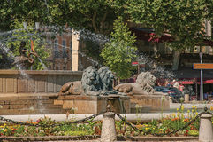 Nahaufnahme des Karussells und Brunnen in Aix-en-Provence Stockfoto