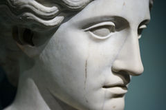 Nahaufnahme des Kopfes einer Frauenstatue Lizenzfreies Stockbild