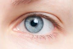 Nahaufnahme des menschlichen Auges Stockbild