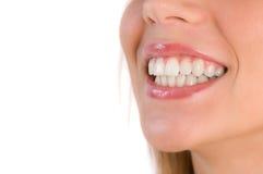 Nahaufnahme des schönen Lächelns lizenzfreie stockfotos