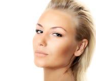 Nahaufnahme des schönen weiblichen Gesichtes getrennt Stockbild