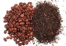 Nahaufnahme des schwarzen Tees und des Kaffees Stockfotos