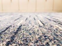 Nahaufnahme des Teppichs im Büro Lizenzfreie Stockbilder