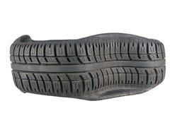 Nahaufnahme des unregelmäßigen Musters im Schritt auf Reifen nach einem Ausblasen stockfotografie