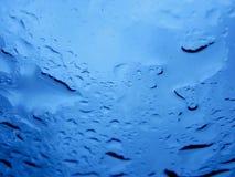 Nahaufnahme des Wassers auf Fenster Lizenzfreie Stockbilder
