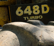 Nahaufnahme-Detail des Protokollierungswinden-Reifen-Schrittes Stockfoto