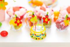 Nahaufnahme ein verziert für Geburtstagfeier Stockfotos