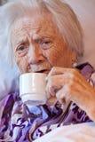 Nahaufnahme einer alten Frau Stockbild