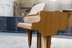 Nahaufnahme eines alten Klaviers Lizenzfreies Stockfoto