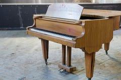 Nahaufnahme eines alten Klaviers Stockfotos