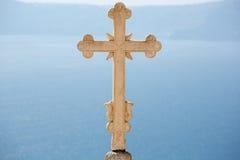 Nahaufnahme eines erstaunlichen gemeißelten orthodoxen Kreuzes Stockfoto