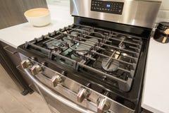 Nahaufnahme eines Gas cooktop Lizenzfreie Stockbilder