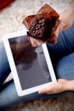 Nahaufnahme eines köstlichen Schokoladenmuffins Lizenzfreie Stockfotos