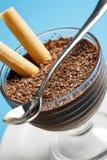 Nahaufnahme eines Schokoladencreme-Nachtischs Stockbild