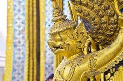 Nahaufnahme-Gold Garuda lizenzfreies stockbild