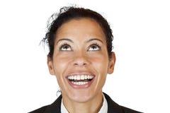 Nahaufnahme makro einer glücklichen Frau, die oben schaut Lizenzfreie Stockfotos