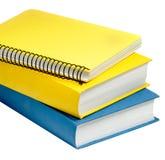 Nahaufnahme schoss von zwei Büchern und von einem Copybook Stockbilder