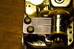 Nahaufnahme-Schuss von inneren Arbeiten in der Spieluhr Stockfoto