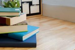 Nahaufnahme-Stapel bunte Bücher Lizenzfreies Stockfoto