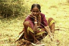 Nahaufnahme von alten indischen Frauen Stockbilder