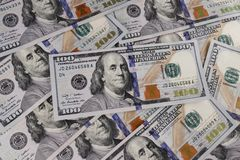 Nahaufnahme von Ben Franklin auf hundert Dollarschein für Hintergrund IX Lizenzfreies Stockfoto