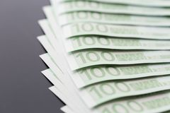 Nahaufnahme von 100 Eurobanknoten Lizenzfreie Stockfotografie