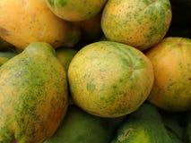 Nahaufnahme von hawaiischen Papayas Stockfotos