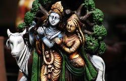 Nahaufnahme von hindischen Göttern Krishna und Radha Lizenzfreies Stockfoto