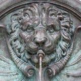 Nahaufnahme von Lion Fountain in Österreich Stockfotos