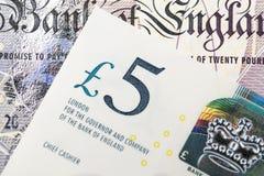 Nahaufnahme von 5 Pfund England-Währungsbanknoten, von Brexit, VON Großbritannien-Wirtschaft, von Rettung, finanziell oder von In stockfotografie