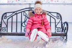 Nahaufnahme von Rochen auf dem kleinen Mädchen Lizenzfreies Stockbild