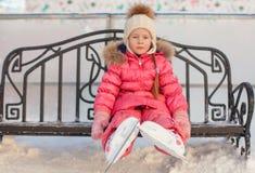 Nahaufnahme von Rochen auf dem kleinen Mädchen Stockfotografie
