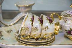 Nahaufnahme von Teetassen/von elegantem Teesatz Stockfoto