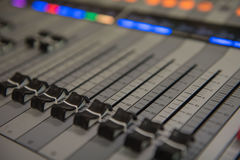 Nahaufnahmeanpassungswerkzeugaudiotonmeistermusik, Technologie Lizenzfreie Stockfotografie