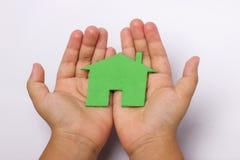 Nahaufnahmebild von Kinderhänden Stockbilder
