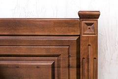 Nahaufnahmedetailbild des hölzernen dekorativen Betts Lizenzfreies Stockfoto