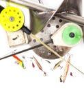 Nahaufnahmeeisangelausrüstung und -ausrüstung Stockbilder