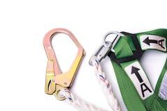 Nahaufnahmefallschutzgeschirr und -abzugsleine für Arbeit auf Höhen Stockfoto