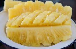 Nahaufnahmefleisch der thr-Ananasscheibe Lizenzfreie Stockfotografie