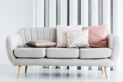Nahaufnahmefoto der Couch lizenzfreie stockfotos