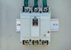Nahaufnahmefoto des elektrischen Unterbrechers Stockbild