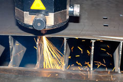 Nahaufnahmefoto des industriellen Lasers Stockbild