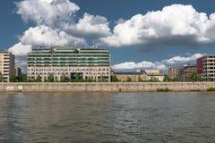 Nahaufnahmefoto eines Gebäudes Stockfotos