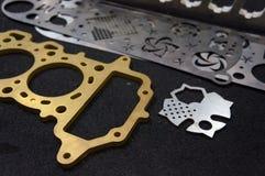 Nahaufnahmeplattenteil gemacht von Faser Laser, der Metallmaschine schneidet lizenzfreie stockfotos