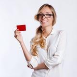 Nahaufnahmeporträt der jungen lächelnden Geschäftsfrau lizenzfreies stockfoto