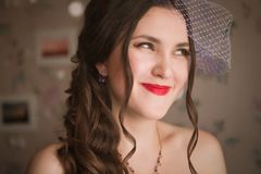 Nahaufnahmeporträt der schönen Braut - weicher Fokus Lizenzfreie Stockbilder