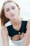 Nahaufnahmeporträt des attraktiven jungen Mädchens Stockbild