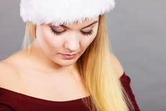 Nahaufnahmeporträt des Blondinegesichtes lizenzfreies stockbild