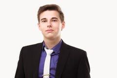 Nahaufnahmeporträt des jungen tragenden Anzugs und der Bindung des Geschäftsmannes Stockfotos